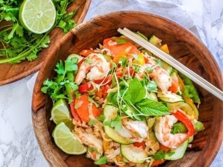 Sesame Shrimp Noodle Stir Fry with Almond Ginger Sauce || gluten-free, pescetarian, dairy-free || Eat Spin Run Repeat