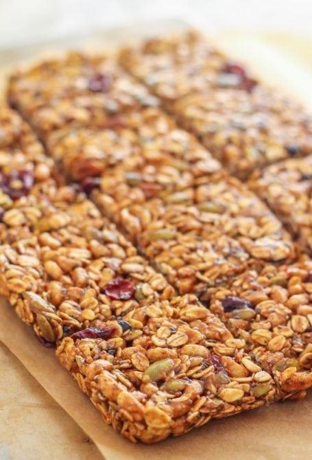 Pumpkin Pie Spice Trail Mix Bars || gluten-free + vegan || Eat Spin Run Repeat