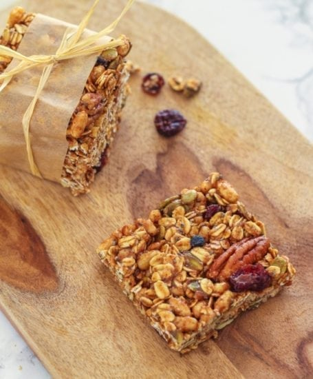 Pumpkin Pie Spice Trail Mix Bars || gluten-free + vegan || Eat Spin Run Repeat