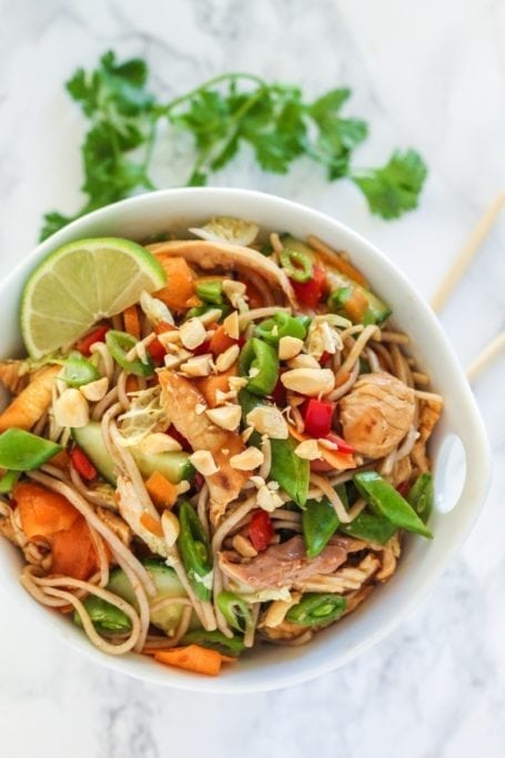 Thai Sweet Chilli Chicken Noodle Bowls || gluten free, high in protein, and better than takeout! || Eat Spin Run Repeat