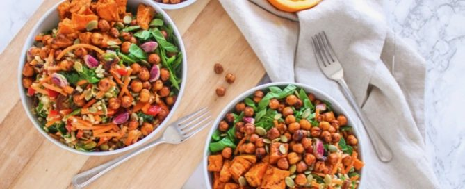 Moroccan-Inspired Crispy Harissa Chickpea Power Bowls || vegan, gluten-free, big batch + make-ahead meal prep friendly! || Eat Spin Run Repeat