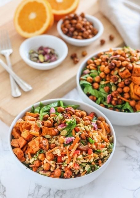 Crispy Harissa Chickpea Power Bowls || vegan, gluten-free, big batch + make-ahead meal prep friendly! || Eat Spin Run Repeat