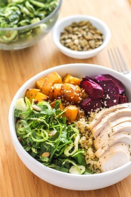 Roasted Root Vegetable and Quinoa Bowls || gluten-free, high-protein cold weather healthy comfort food! || Eat Spin Run Repeat