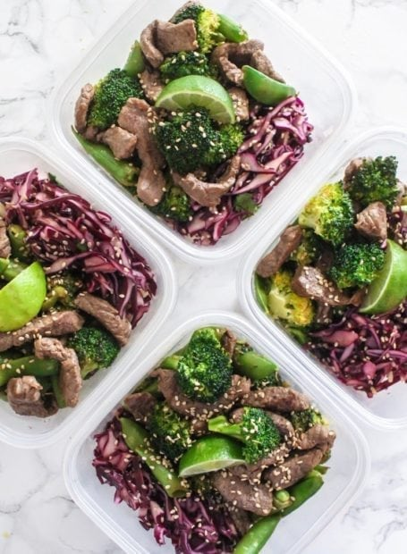 Sesame Ginger Beef and Broccoli Noodle Bowls || an easy, healthy dinner ready in less than 25 minutes, perfect for busy weeknights and lunch leftovers! || My Fresh Perspective #paleo #glutenfree #grainfree #eatclean #mealprep