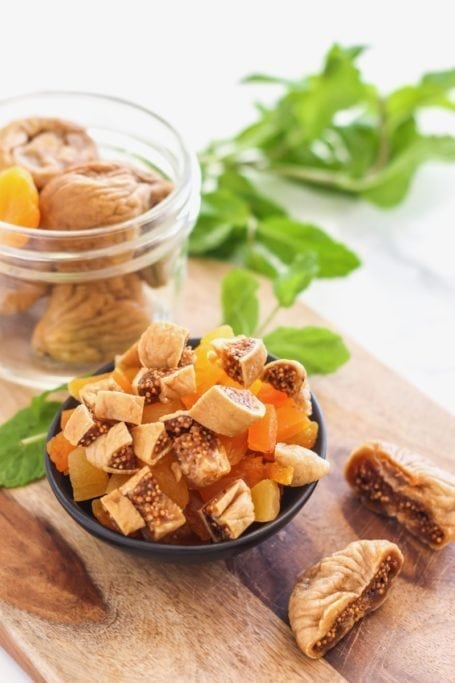 Moroccan Grain Bowl with Harissa Orange Chicken | #glutenfree #mealprep #harissa #moroccan #dairyfree #buckwheat | Recipe by Angela Simpson, Eat Spin Run Repeat