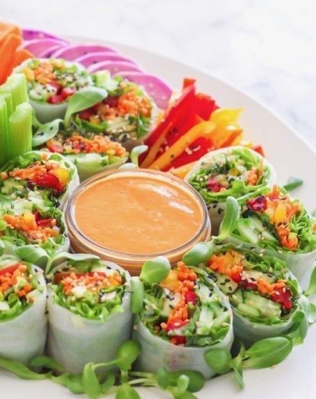 Thai Red Curry Peanut Sauce, plus a roundup of homemade sauces that will make you crave vegetables (seriously!) - via Angela Simpson | eat-spin-run-repeat.com | #antiinflammatory #vegan #glutenfree #paleo