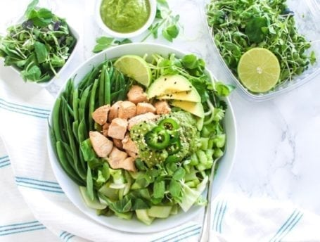 All-Green Bowl with Cilantro Ginger Jalapeno Sauce   If you need a new healthy lunch idea, this high-protein buddha bowl is the perfect way to infuse some delicious variety in your meal prep routine!   Angela Simpson, Eat Spin Run Repeat   #paleo #chicken #buddhabowl #mealprep
