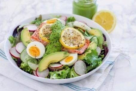 Green Goddess Salmon Salad   An easy, healthy spring salad recipe full of omega-3 healthy fats, antioxidants and protein   Angela Simpson, culinary nutrition expert + holistic wellness coach   Eat Spin Run Repeat   #pescetarian #paleo #cleaneating #antiinflammatory