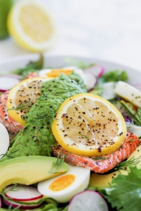 Green Goddess Salmon Salad | An easy, healthy spring salad recipe full of omega-3 healthy fats, antioxidants and protein | Angela Simpson, culinary nutrition expert + holistic wellness coach | Eat Spin Run Repeat | #pescetarian #paleo #cleaneating #antiinflammatory