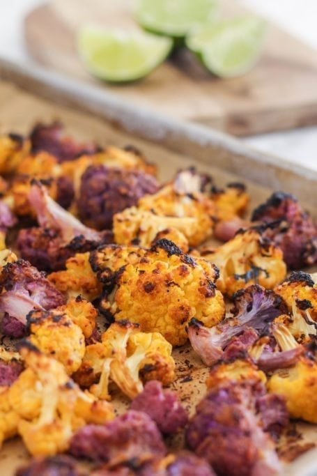 Miso Ginger Roasted Cauliflower | a vegan-friendly healthy snack that's packed with flavour and sugar detox-approved! | Eat Spin Run Repeat | #antiinflammatory #sugardetox #healthysnack #eatclean