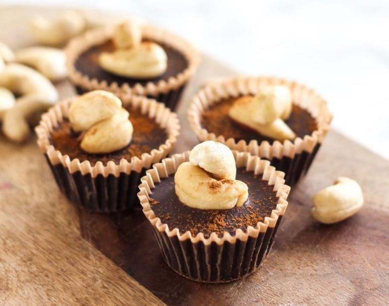 Adaptogens may not taste wonderful on their own, but wait till you try ashwagandha and maca in these Adaptogen-Infused Cinnamon Vanilla Swirl Nut Butter Cups! | Angela Simpson, Eat Spin Run Repeat | #adaptogens #vegan #paleo